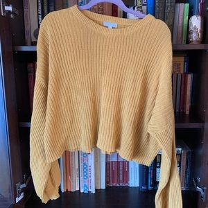 Yellow crop sweater with cuffed sleeves